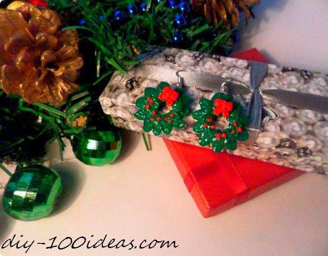 Polymer clay Christmas wreath earrings (1)