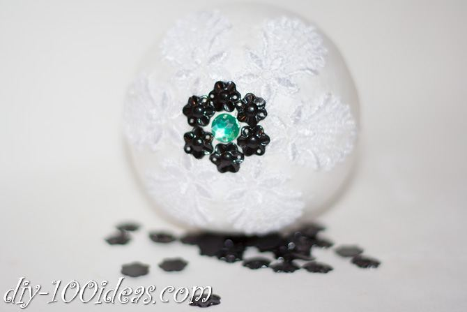 ball Christmas ornament crafts (13)