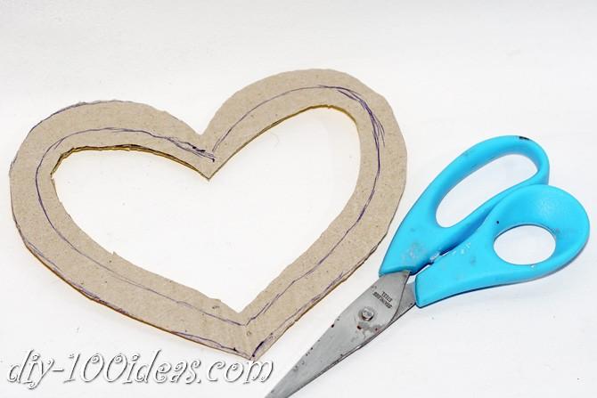 Valentine's Day Yarn Hearts craft (3)