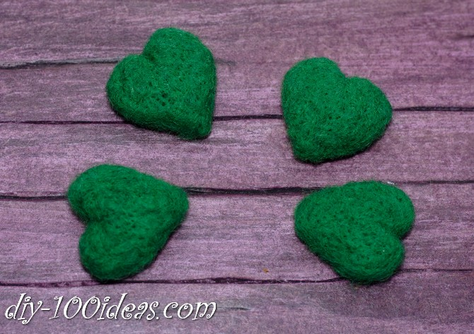 needle felted brooch four leaf clover (6)