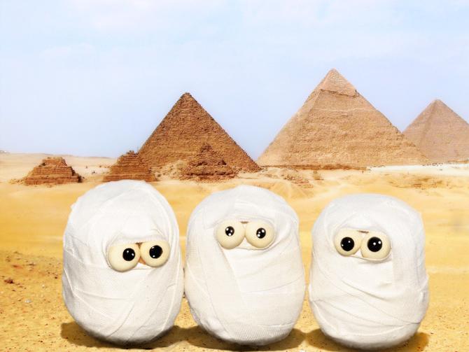 diy-duct-tape-mummies-1
