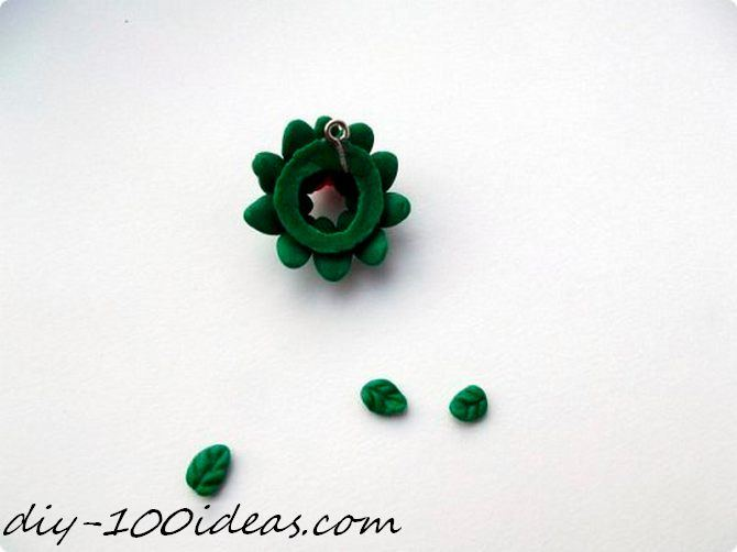 Polymer clay Christmas wreath earrings (10)