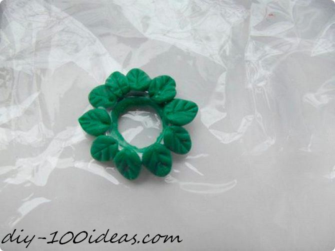 Polymer clay Christmas wreath earrings (7)