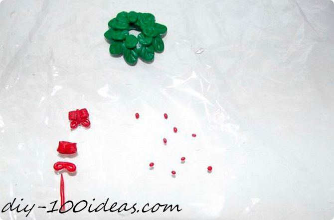 Polymer clay Christmas wreath earrings (9)
