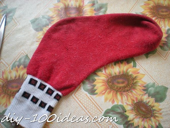 Dog hat from sock (2)
