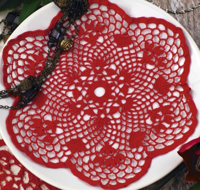 Red flower doily (1)