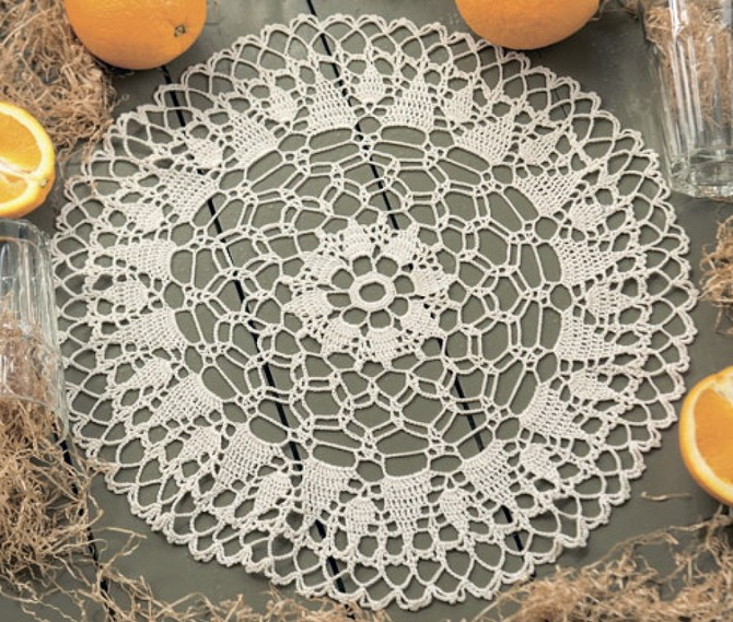 Scalloped doily (1)