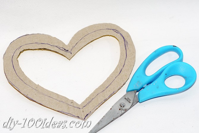 Valentine's Day Yarn Hearts craft (3)