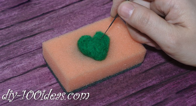 needle felted brooch four leaf clover (5)