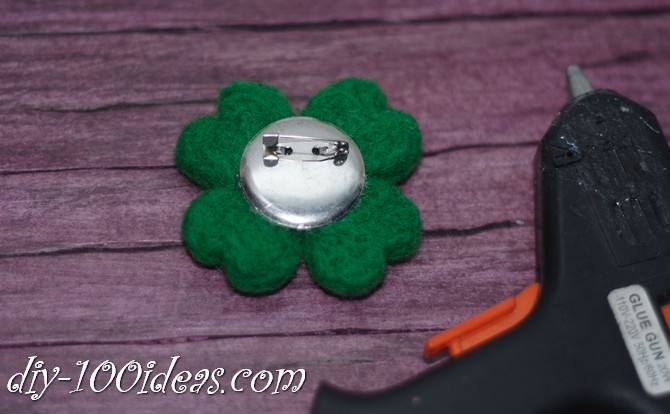 needle felted brooch four leaf clover (8)