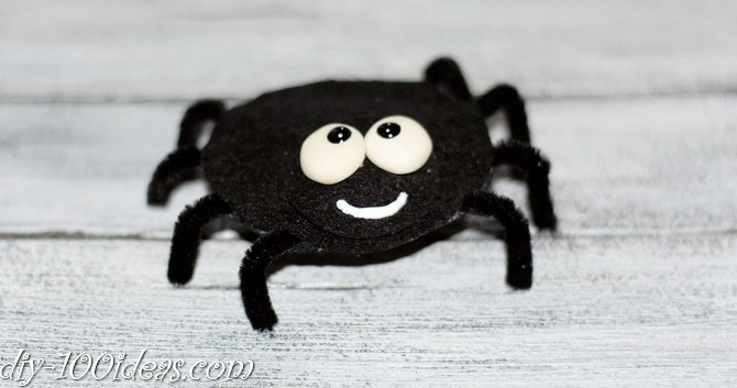 felt spider craft (1)