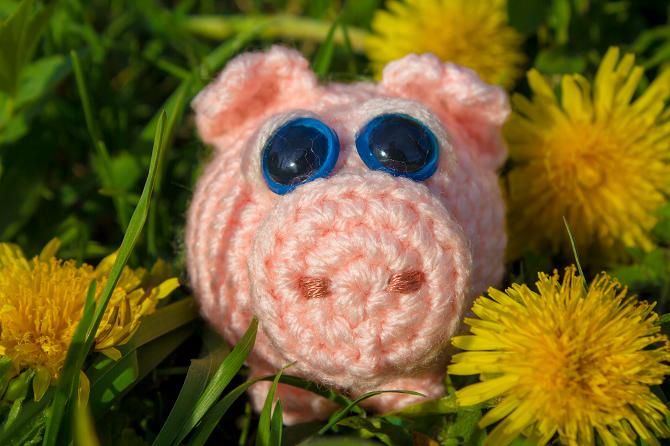 Amigurumi Flower Tutorial : Crochet tutorial amigurumi piggy diy ideas