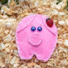 DIY Felt Piggy Brooch