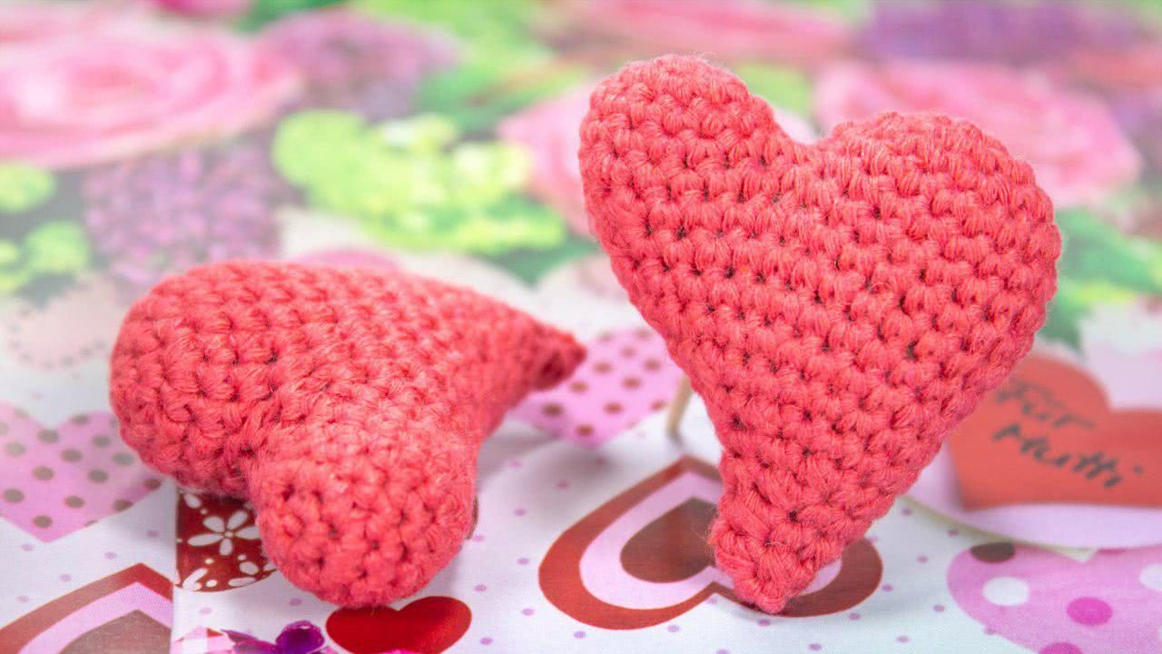 This is step-by-step video tutorial about how to crochet heart ... | 720x1280