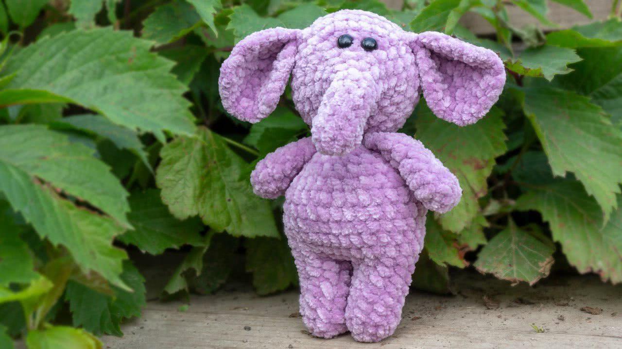 Cuddle Me Elephant crochet pattern - Amigurumi Today | 719x1280